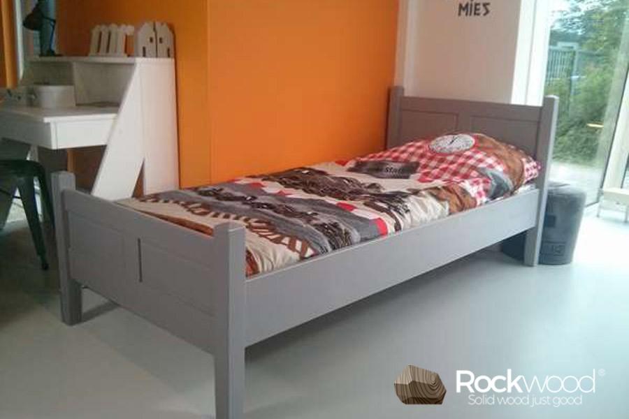 https://afbeelding.kinderbedspecialist.nl/images/KBALG/Rockwood-Kinderbedden-Kinderbed-Alex-Grey-2.jpg