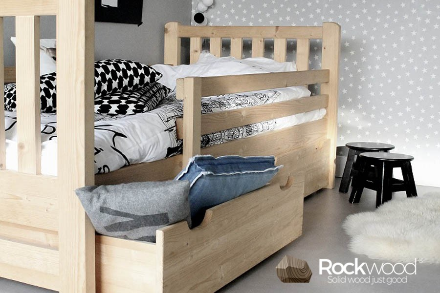 https://afbeelding.kinderbedspecialist.nl/images/PBTN/Rockwood-Kinderbedden-Peuterbed-Tim-Naturel-1.jpg