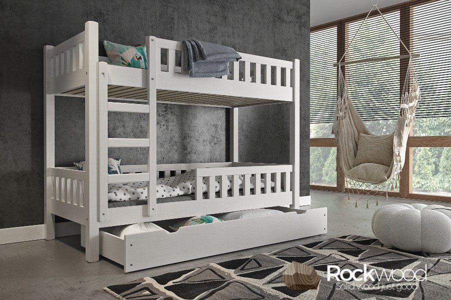 https://afbeelding.kinderbedspecialist.nl/images/SBT/Rockwood-Kinderbedden-Stapelbed-Tom-White-1.jpg